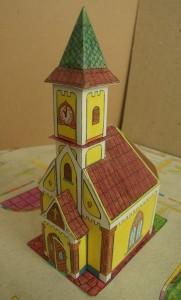 papirnata 3D crkvica - slika
