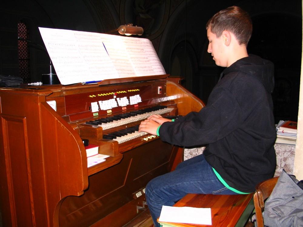 Reportaža o orguljašu Tomislavu Krobotu